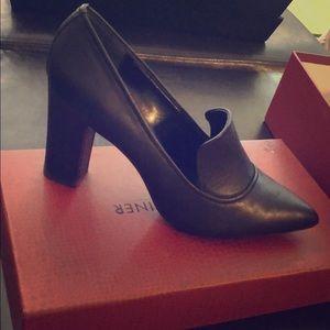 Shoes - Donald Pliner mules